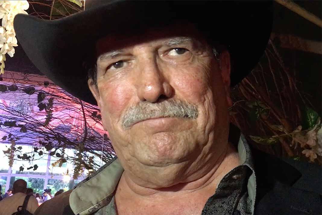 Oscar Flores representó durante más de 30 años a Bronco, desde sus inicios
