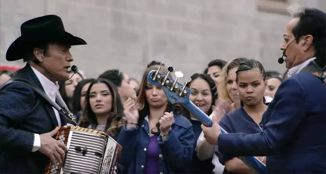Los Tigres del Norte ofrecieron un concierto en el área de mujeres de la prisión
