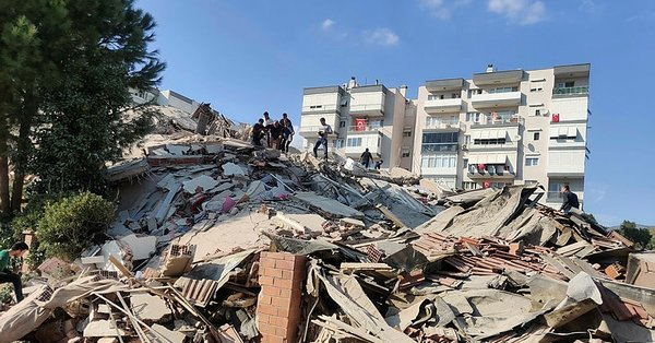 ارتفاع حصيلة ضحايا زلزال إزمير إلى 25 قتيلًا