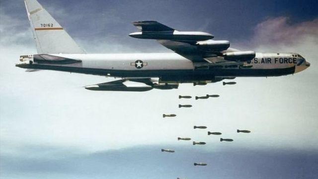 """واشنطن ترسل قاذفة """"بي 52"""" من قاعدة جوية في ولاية """"نورث داكوتا"""" إلى الشرق الأوسط """"في مهمة طويلة"""""""