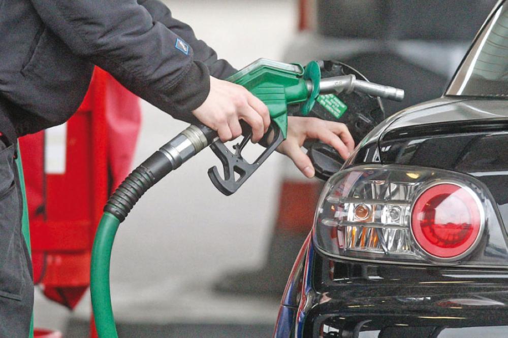 السودان يخفض أسعار البنزين والديزل للمستهلكين
