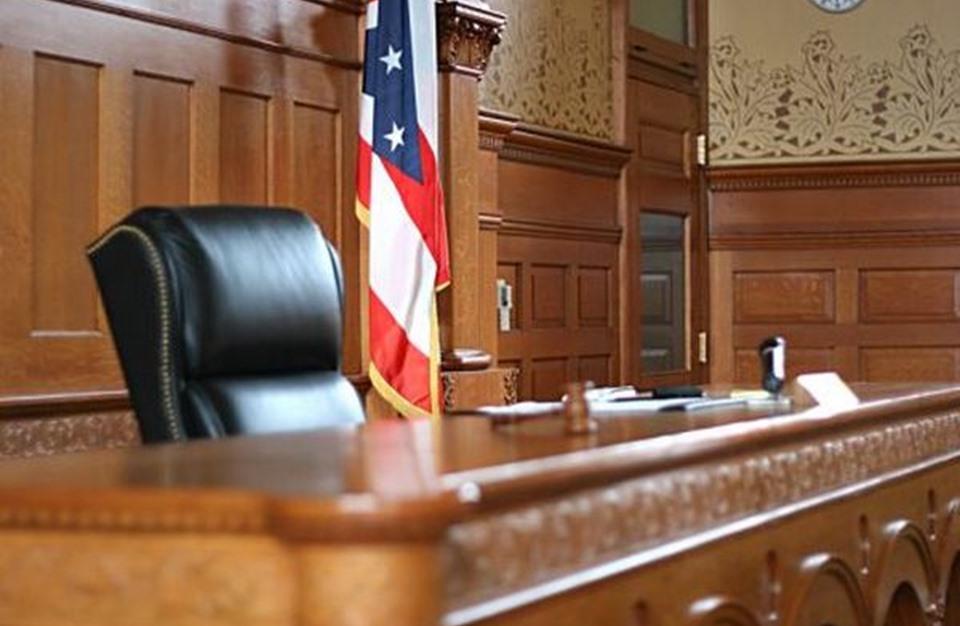 قاض أمريكي يرفض دعوى من ترامب للطعن في الأصوات عبر البريد في بنسلفانيا