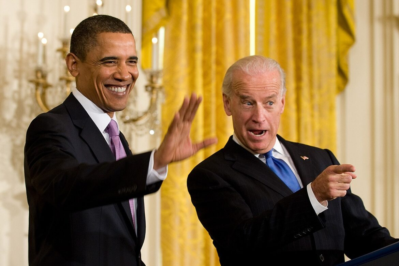 ترامب يعتزم العفو عن مستشار الأمن القومي السابق مايكل فلين والرئيس المنتخب يؤكد أن ولايته لن تكون ولاية ثالثة لأوباما
