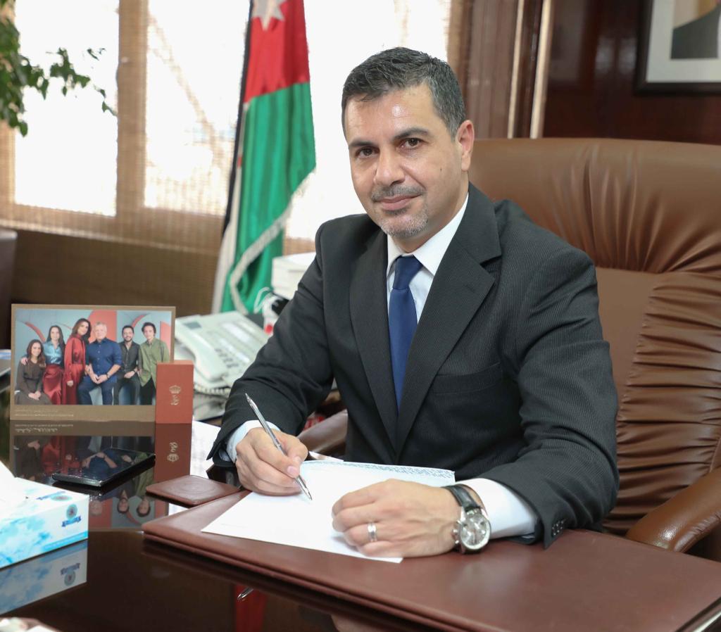 وزير المياه والري: توقيع اتفاقية مشروع تحسين النظام المائي في عمان/المرحلة الثالثة – الحزمة الثانية الخاص بتنفيذ شبكات مياه في مناطق متفرقة في العاصمة بقيمة (3.6) مليون دولار