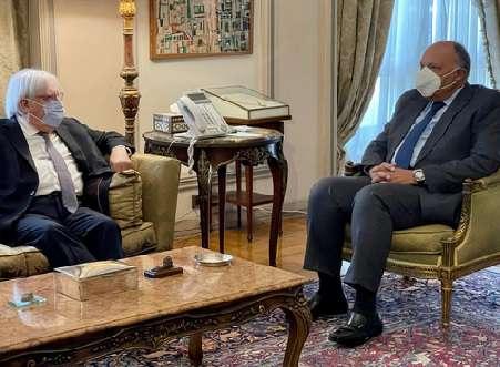 شكري يؤكد موقف مصر الداعم للحل السياسي للأزمة اليمنية وفقاً لمرجعيات التسوية الرئيسية المتمثلة في المبادرة الخليجية وآلياتها التنفيذية