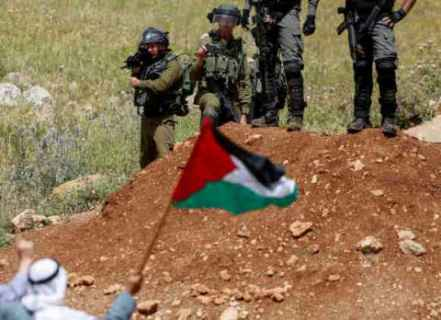 جيروزاليم بوست: مسؤول سابق في إدارة ترامب: بايدن قد يعطي الضوء الأخضر لانتفاضة فلسطينية جديدة