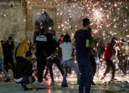 """""""معاريف"""": المواجهات في حي الشيخ جراح ستؤدي إلى التصعيد مع غزة"""