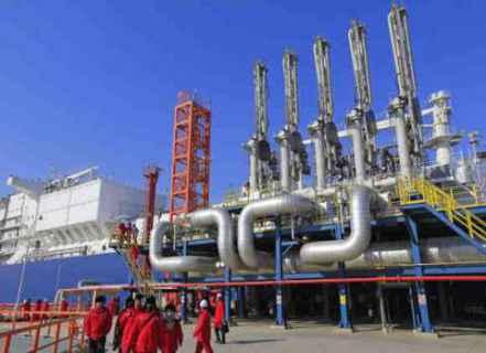 ألكسندر نازاروف: أزمة الغاز في أوروبا والصين سيعقبها أزمة الحبوب في الدول العربية