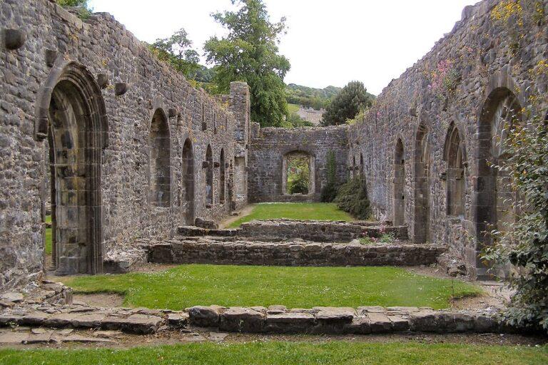 Whalley Abbey - David Dixon / CC BY-SA 2.0, via Wikimedia Commons