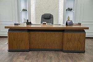 Executive Table (300x200)