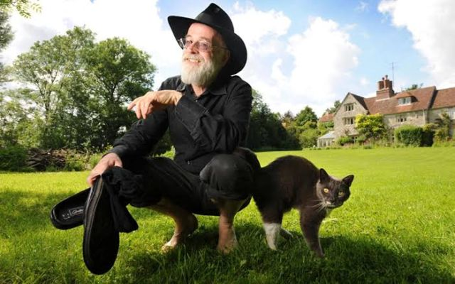 Terry Pratchett and a Cat
