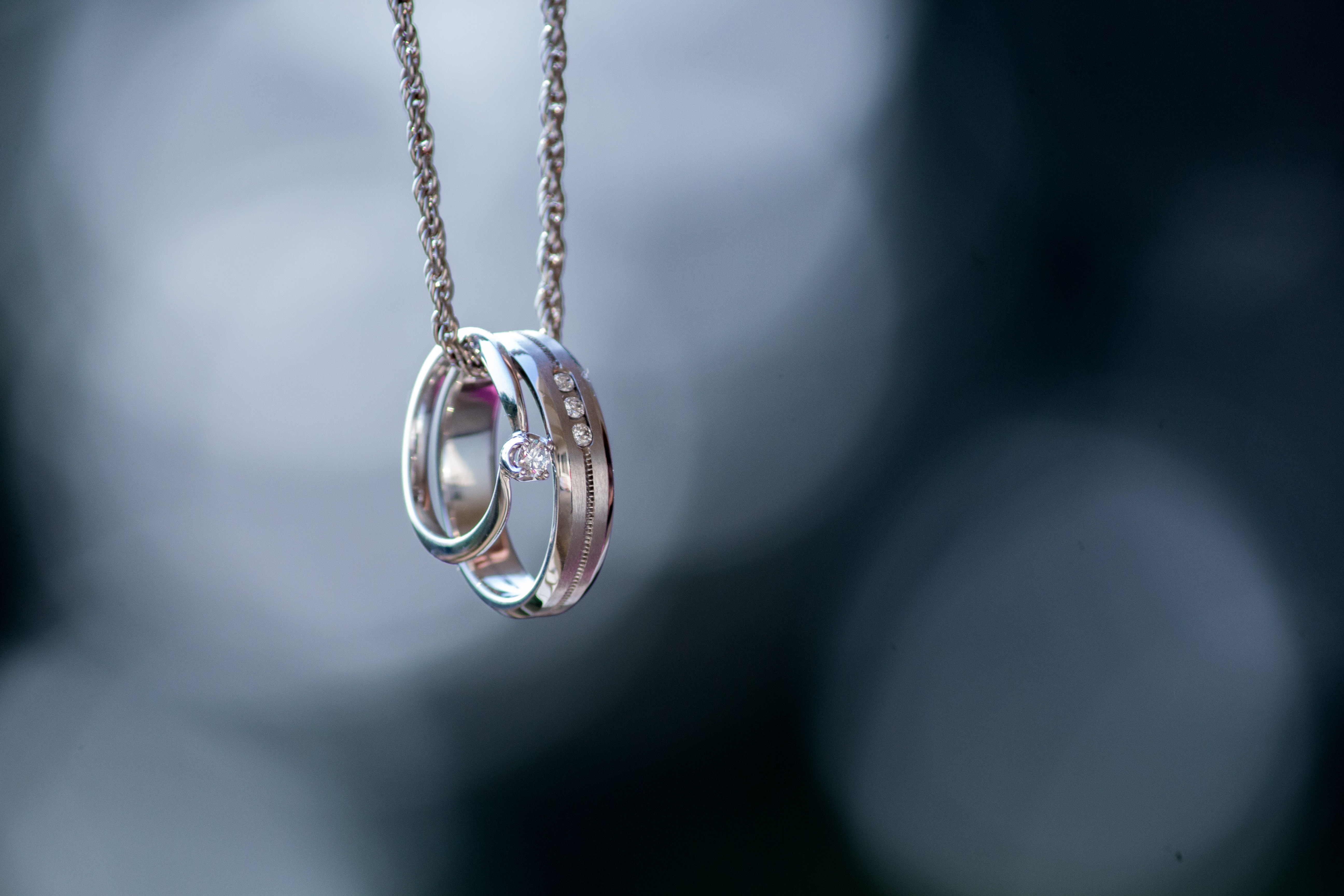 Rings on chain