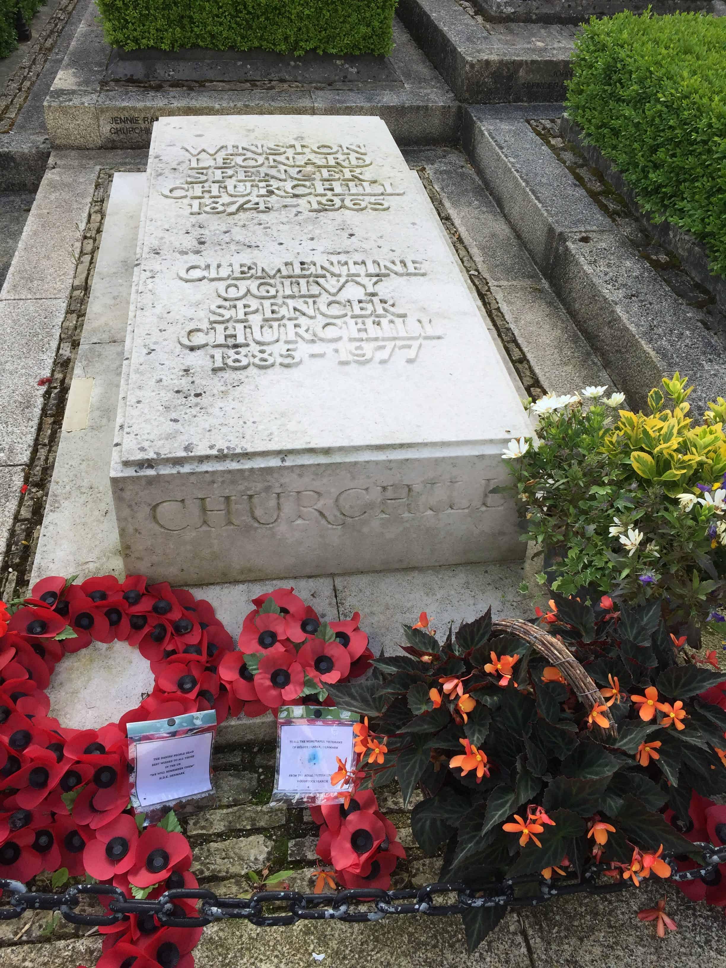 Churchil grave