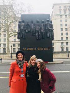 Vania e Turistas em Londres