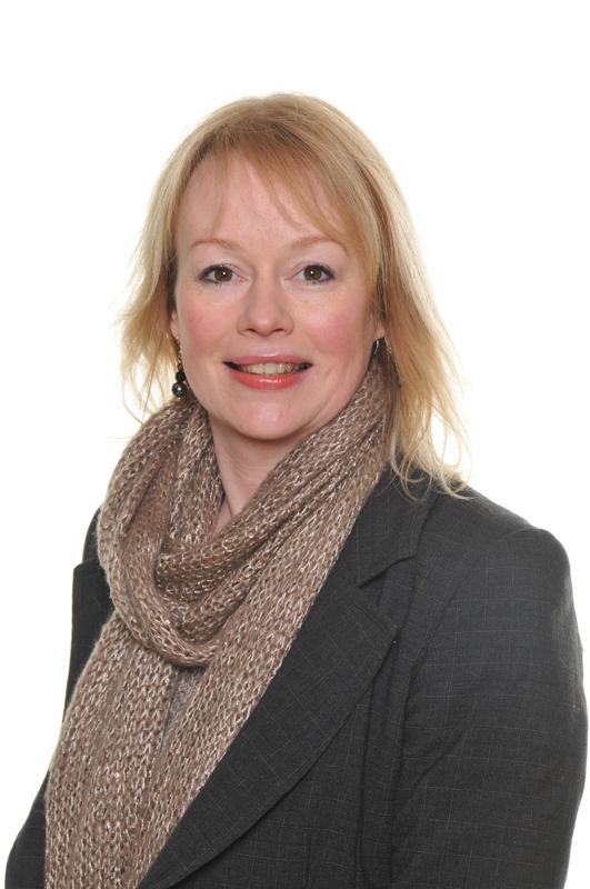 Mrs Carolyn Holland