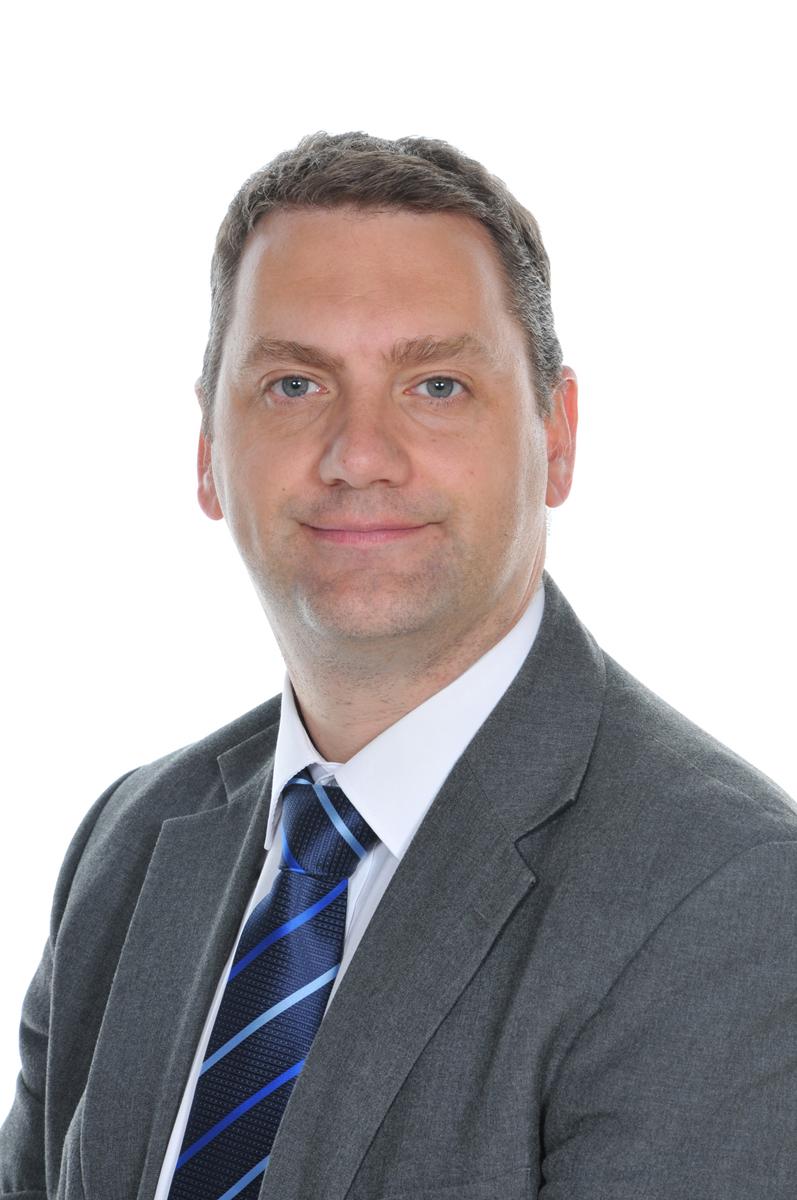 Mr Daniel Cox
