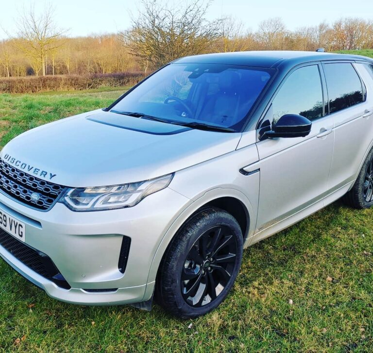 Land Rover Discovery Sport R-Dynamic S front