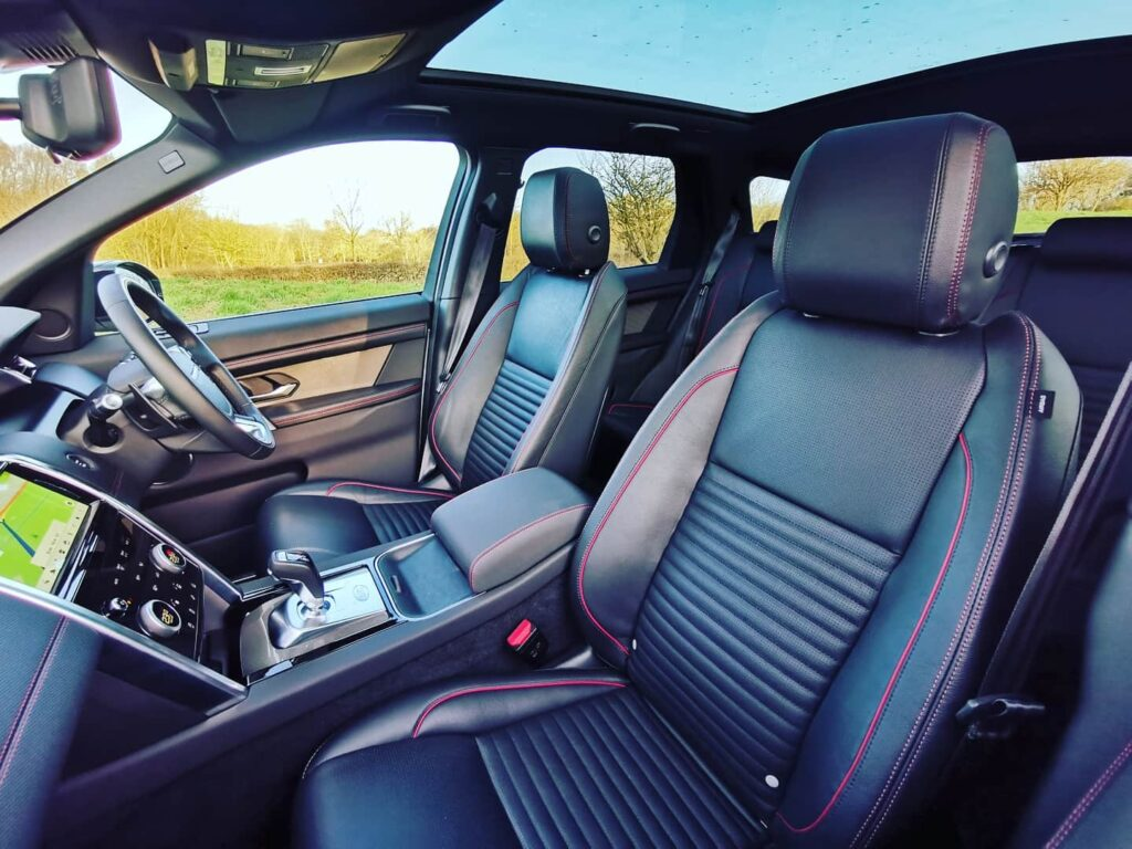 Land Rover Discovery Sport R-Dynamic S interior