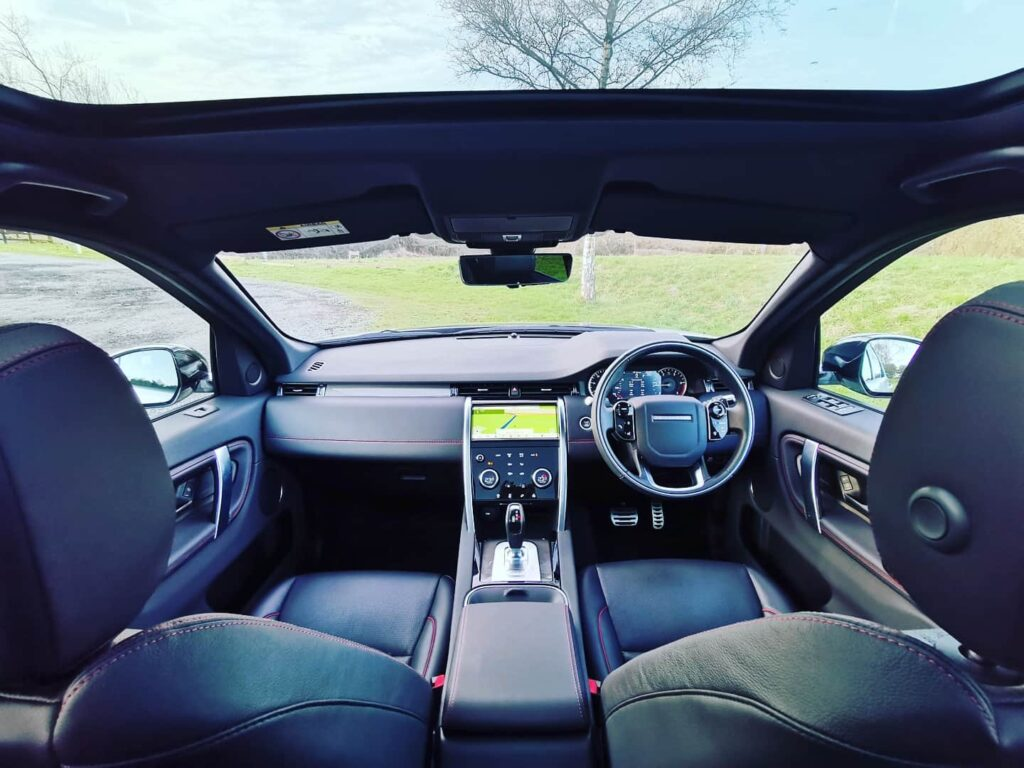 Land Rover Discovery Sport R-Dynamic S seats
