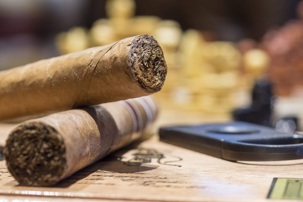 Cigar and Whisky Lounge - Dukes The Palm