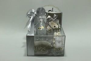 אבן HOPE, דיקנטר ליין, בקבוקון נשיקות וניל מעולות ושוקולד יוקרתי ומתוק