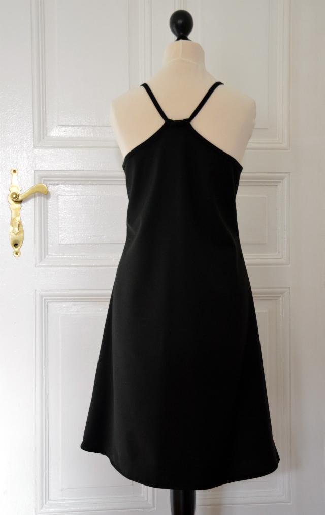 Selbstgenähtes Slipdress Schnitt 113 Burda Mai 2016 ... Sewionista.com ... Nähen ... Slow Fashion ... DIY ... Blog