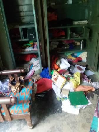 एक ही रात में 3 घरों से लाखों की नकदी व गहने चोरी, पुलिस के उदासीनता से क्षेत्रवासी मायूस