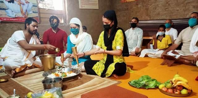 महर्षि पाणिनि धर्मार्थ ट्रस्ट में नागपंचमी पर भगवान शिव का रुद्राभिषेक व वैश्विक महामारी से मुक्ति की प्रार्थना