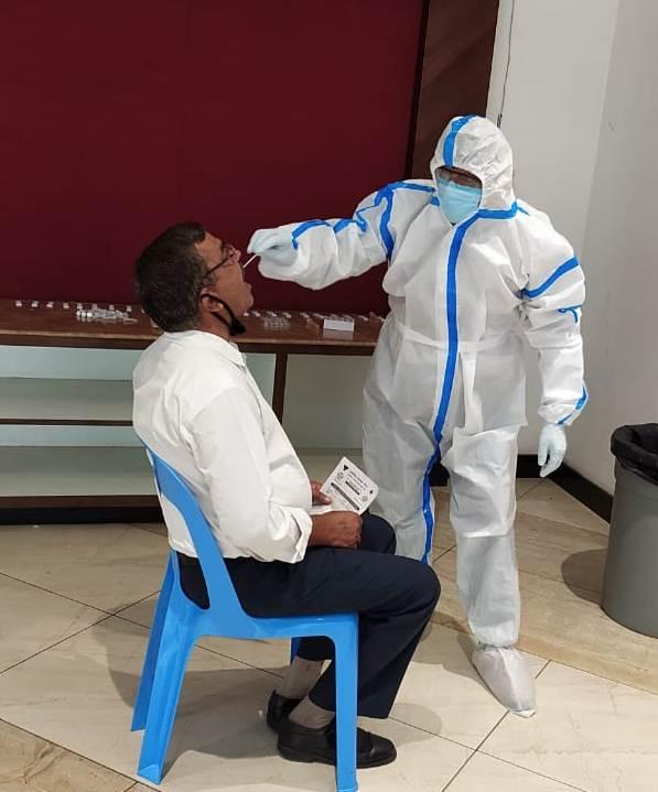 नेफोवा के पहल पर बिसरख हेल्थ सेंटर में लगाया गया कोरोना रैपिड टेस्ट कैंप