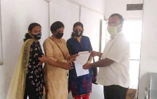कंगना के समर्थ में विशाल युवा हिन्दू वाहिनी जिला प्रशासन के माध्यम से प्रधानमंत्री के नाम दिया ज्ञापन