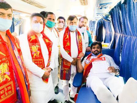 प्रधानमंत्री नरेन्द्र मोदी के 70वें जन्मदिवस पर भाजपा युवामोर्चा ने लगाया रक्तदान शिविर