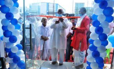 गुरु टायर हाउस शो रुम का कासना युनिवर्सिटी रोड़ पर वरिष्ठ नागरिकों ने किया उद्घाटन