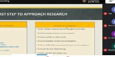 मरीजों के बेहतर इलाज हेतु छात्रों को निरंतर शोध करना जरूरी- डॉ. मानसी अत्री