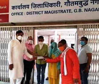 सुदीक्षा भाटी के परिजन को मुख्यमंत्री राहत कोष से 15 लाख की सहायता, राज्यसभा सांसद व दादरी विधायक रहे मौजूद