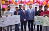 प्रतिभावान विद्यार्थियों को छात्रवृत्ति व लैपटॉप देकर बढ़ाया उत्साह