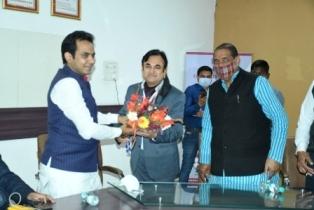 भाजपा पार्टी प्रत्याशी को एमएलसी शिक्षक चुनाव में जीत दिलायें शिक्षक-पंकज सिंह