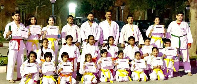 मार्शल आर्ट टेस्ट प्रतियोगिता में प्रतिभागियों को मिला यलो,आरेन्ज ,ग्रीन व ब्रॉन बेल्ट