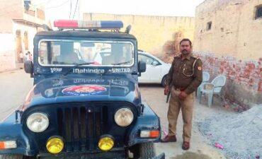 धार्मिक स्थल के पुनरनिमार्ण को लेकर तनावपूर्ण, पुलिस तैनात
