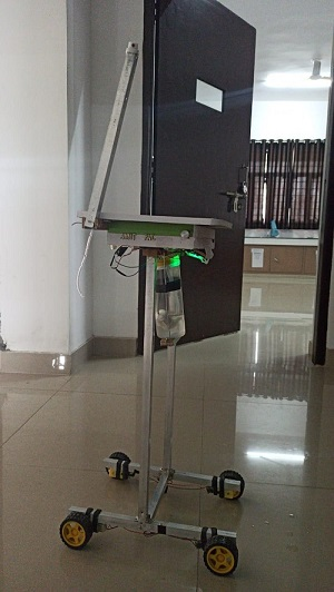 रोबोट करेगा सेनिटाइज और पहुंचाएगा सामान, इंजी. के छात्र ने बनाया मशीन