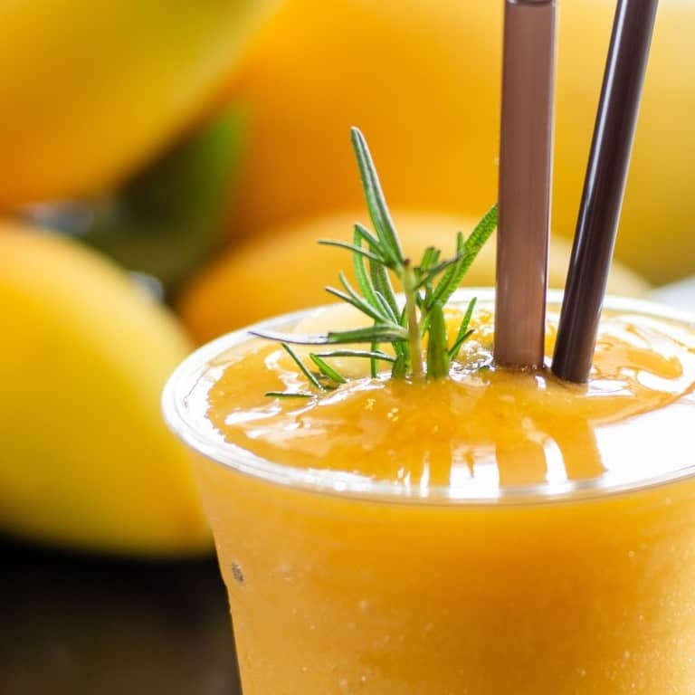 mango-smoothie-in-plastic-glass_t20_2wR20K (1)
