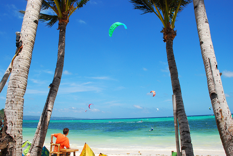 Watching the kite surfers do their stuff in Bulabog island