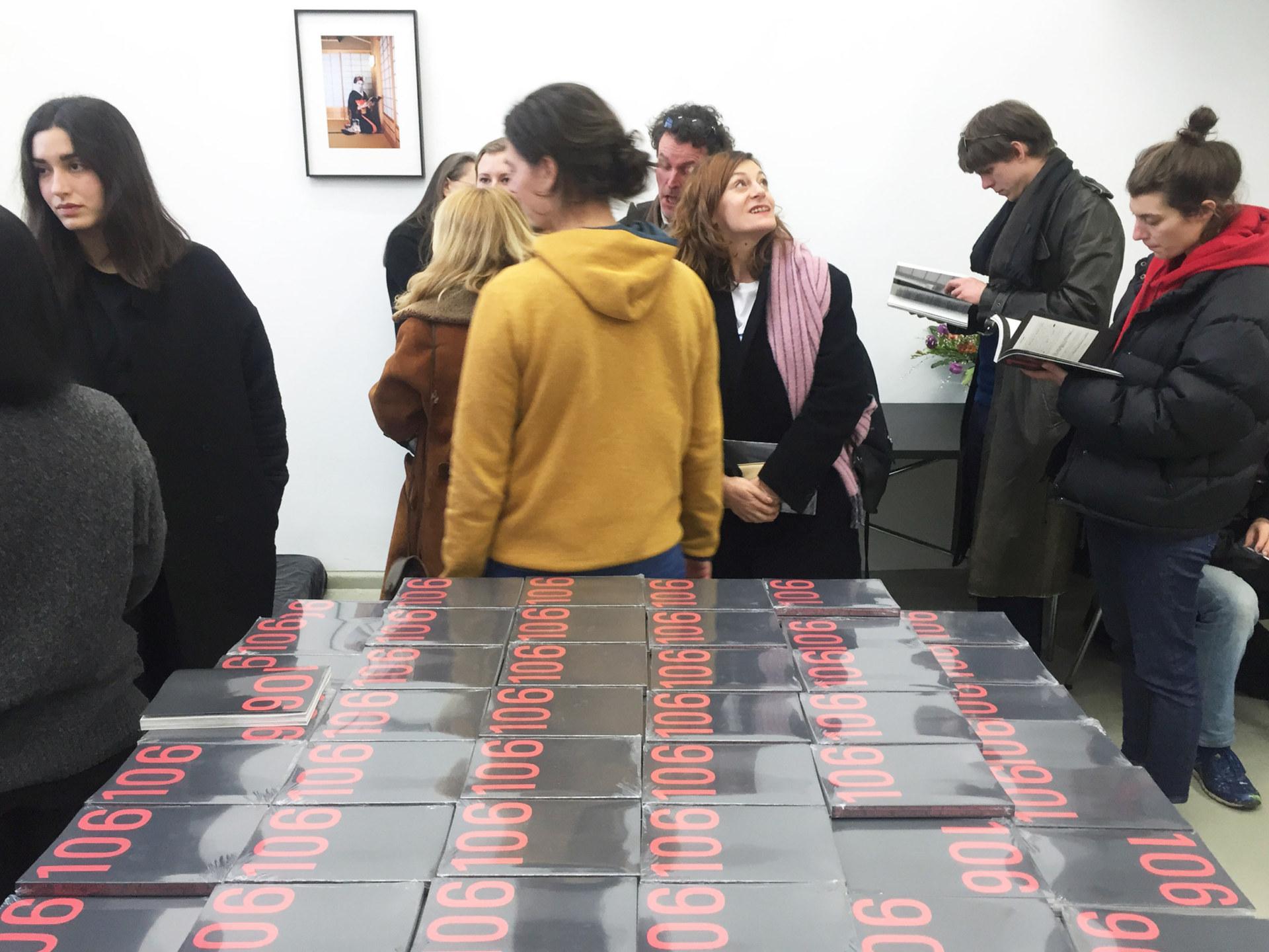 Klasse John Morgan Launch of Raum 106, Issue 0