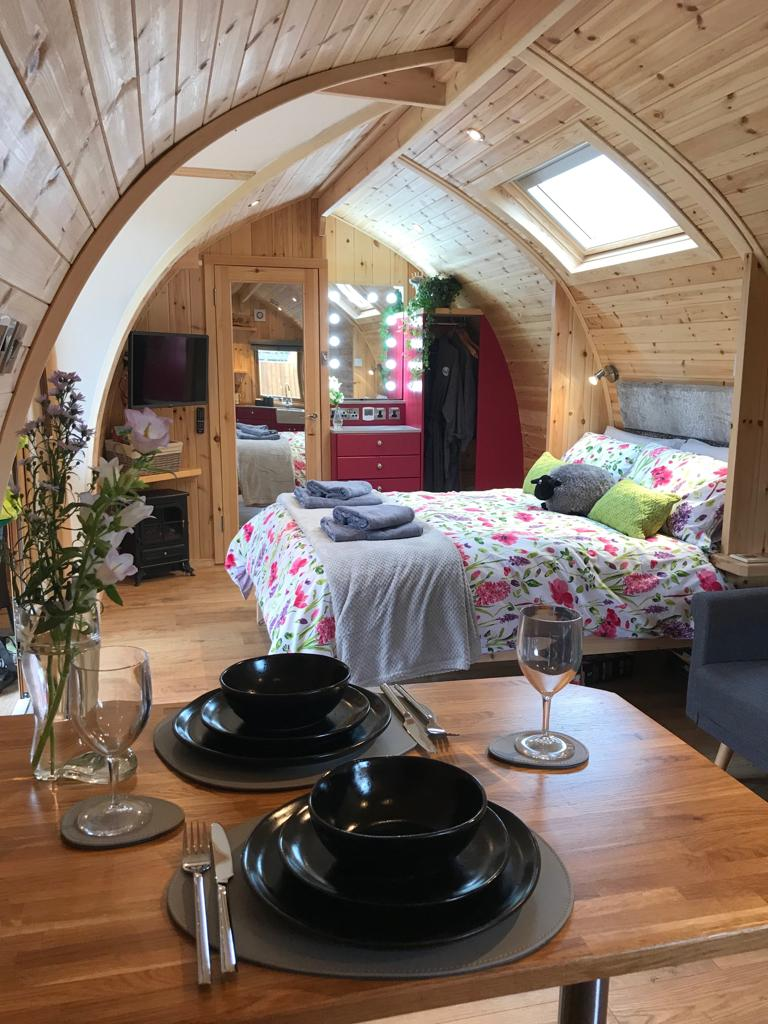 Buttercup Glamping Pod Bedroom2