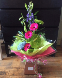 flowers and gifts by val kenyon at hedgerow glamping