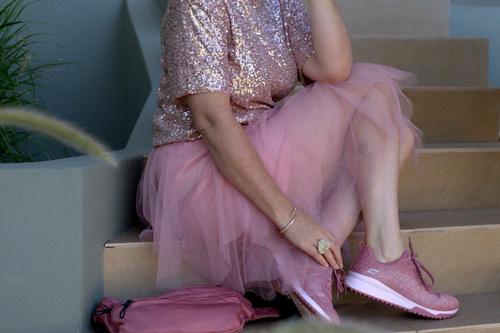 pretty in pink skechers