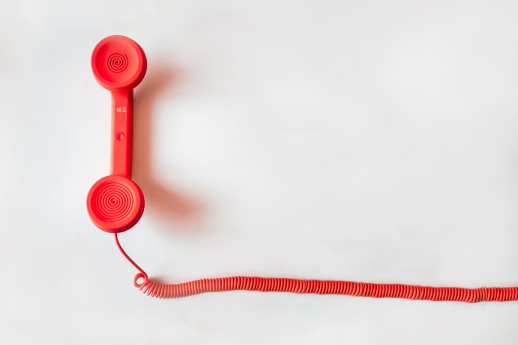 A telephone - speaking to someone starts the mentoring in work process