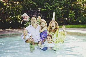 justin-trudeau-sophie-children-family-pool