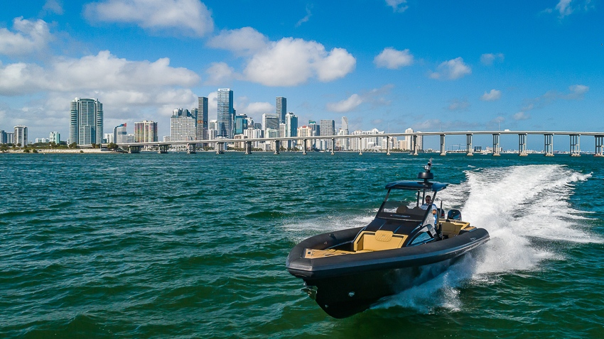 technohull explorer 40 Miami