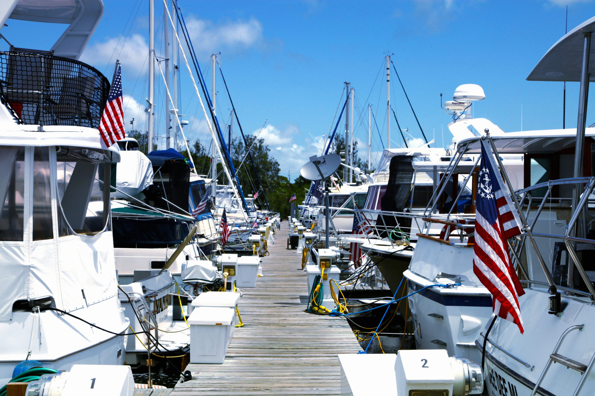 Live Aboard Wet Slips at Harbortown Marina