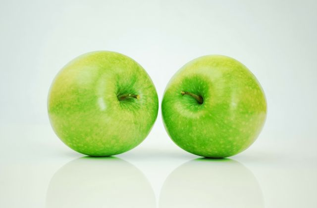 vitamins and minerals in apple